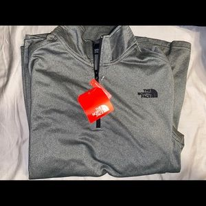NWT North Face pull over 1/2 zip jacket